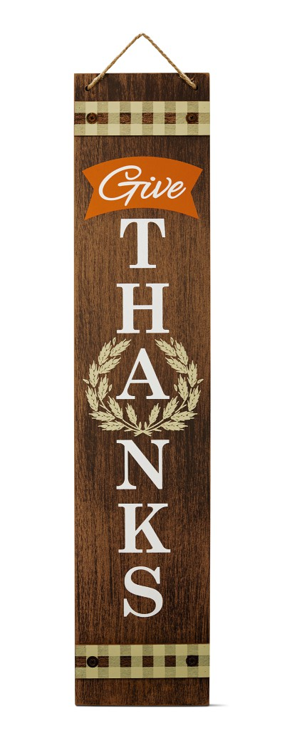 front porch sign displaying give thanks