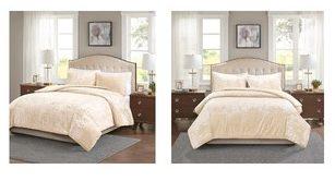 Crushed velvet comforter