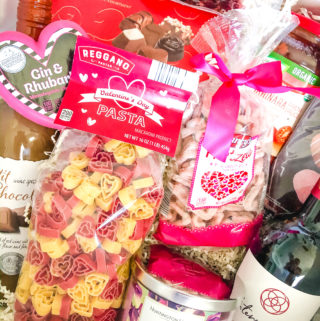 aldi galentine's day box