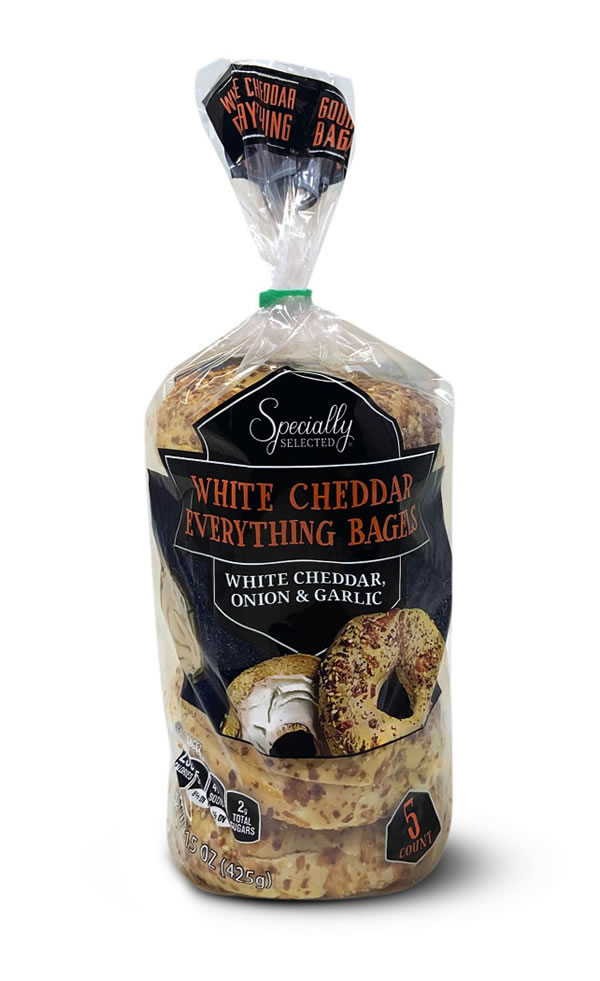 white cheddar everything bagels at aldi